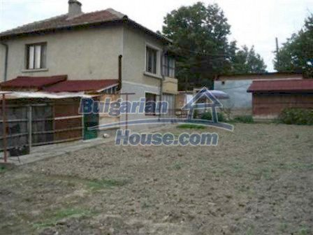 4373:2 - SOLD House in Bulgaria with a shop Bulgarian property