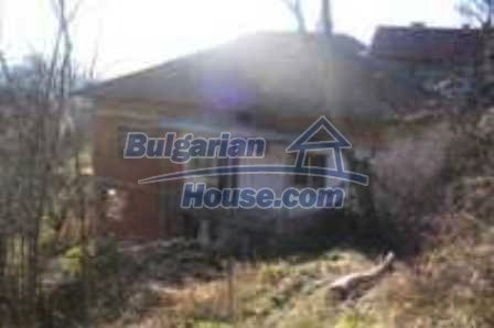 4436:2 - Brick house in bulgarian countryside
