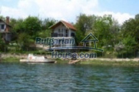 4691:1 - A charming bulgarian property on the dam coast in Kardjali regio