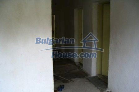 4733:3 - Spacious brick bulgarian house near Kardjali
