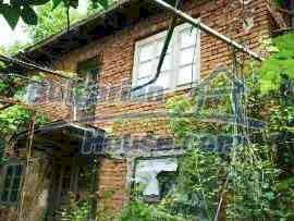 4916:1 - Two-storey bulgarian house for sale near a river