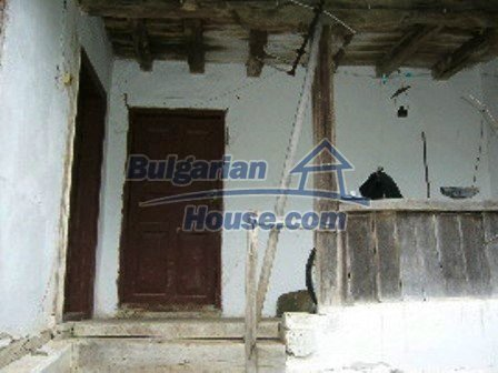 5009:5 - Appealing old bulgarian house in a picturesque village