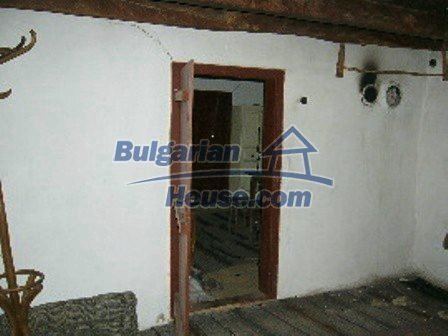 5009:6 - Appealing old bulgarian house in a picturesque village