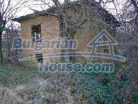 5066:1 - Bulgarian house in need of restoratio property with big garden
