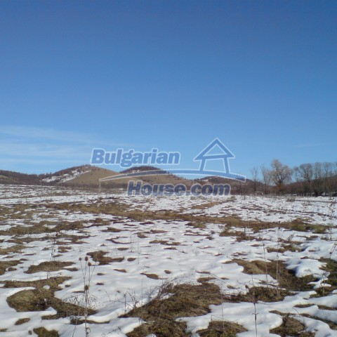 5315:1 - Bulgarian plots for sale in village near Lovech