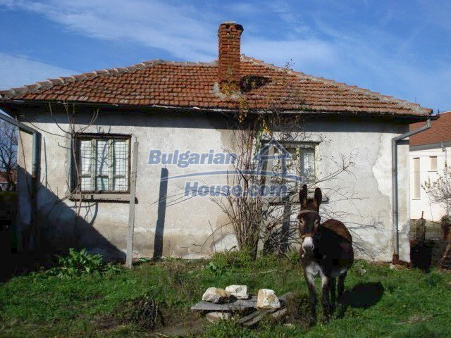 5456:3 - Solid-build brick bulgarian house for sale near Elhovo