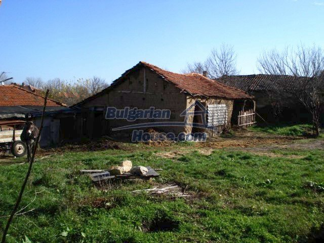 5456:6 - Solid-build brick bulgarian house for sale near Elhovo