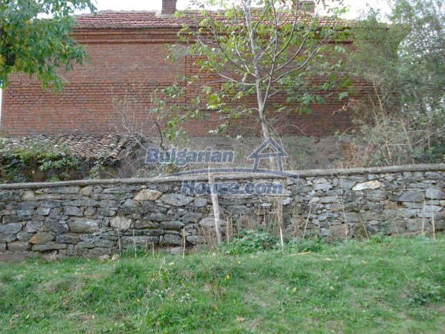 5465:2 - Good opportunity for bulgarian house in Elhovo region