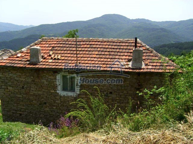 5510:1 - Rural bulgarian house in mountain in Kardzhali region