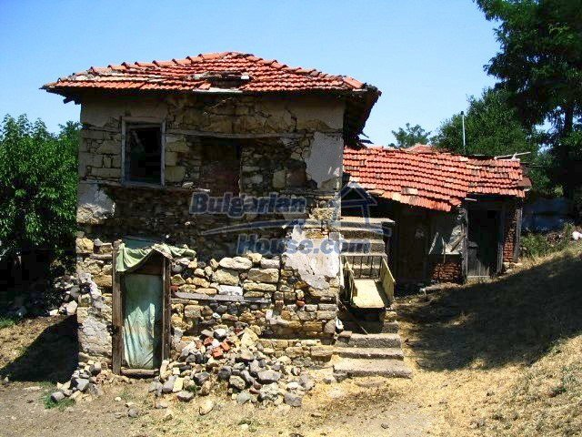 5519:1 - Rural bulgarian property in mountain for sale