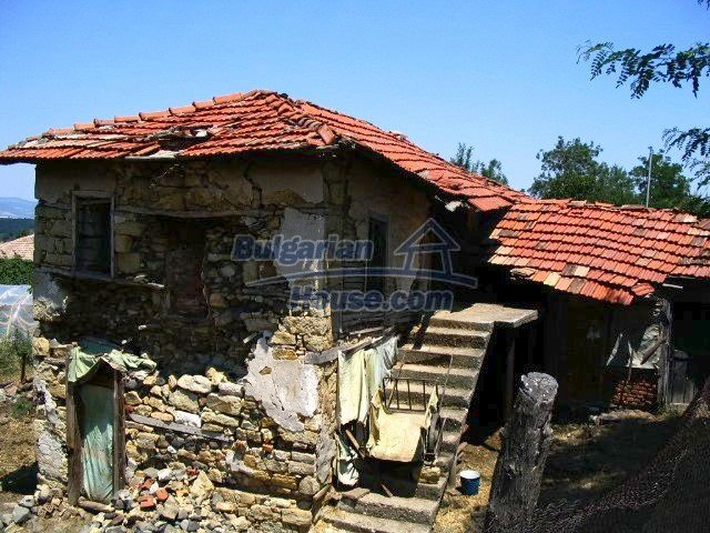 5519:2 - Rural bulgarian property in mountain for sale