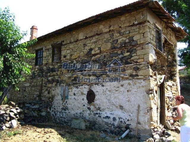 5519:3 - Rural bulgarian property in mountain for sale