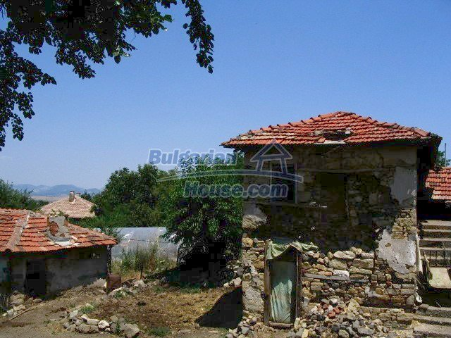5519:4 - Rural bulgarian property in mountain for sale