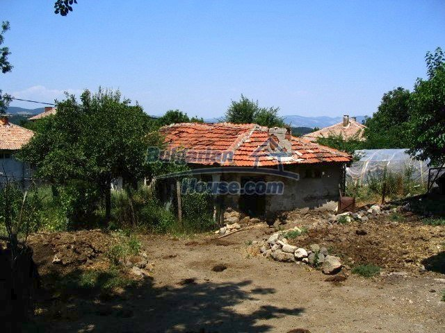 5519:5 - Rural bulgarian property in mountain for sale