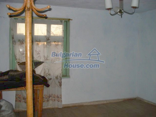 5564:5 - Two storey build house and property in Bulgaria