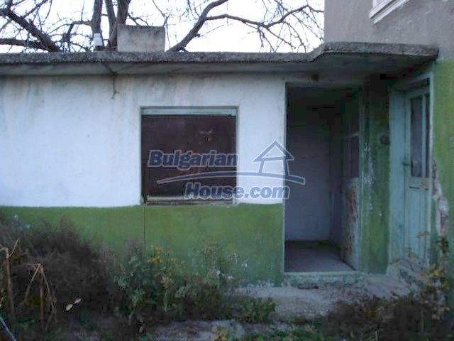 5564:6 - Two storey build house and property in Bulgaria