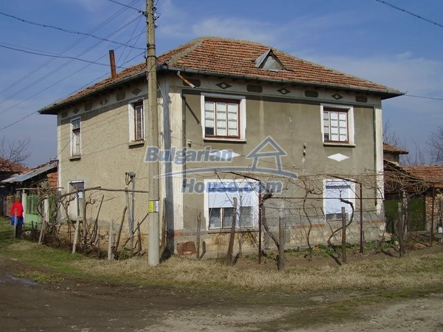 5597:2 - A nice bulgarian house located near the famous historic town of