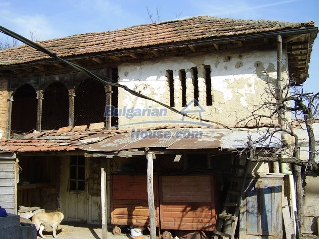 5597:6 - A nice bulgarian house located near the famous historic town of