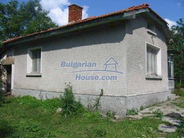 5630:1 - One storey build bulgarian house good chanse for your next home