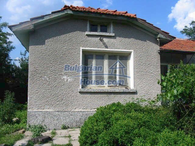 5630:2 - One storey build bulgarian house good chanse for your next home