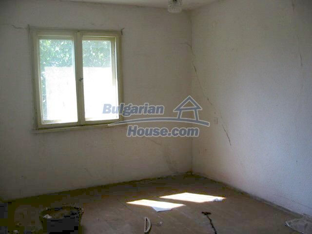 5630:4 - One storey build bulgarian house good chanse for your next home