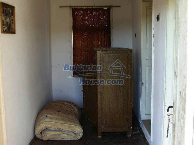 5645:5 - Two storey house for sale and property in Bulgaria