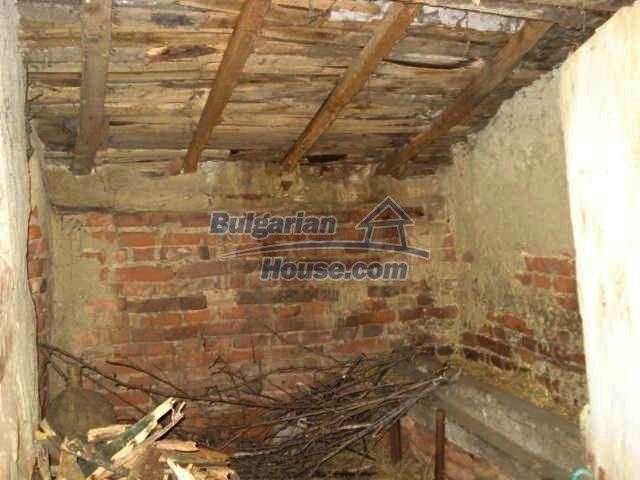 5657:6 - A solid-build brick house in decent condition bulgarian property