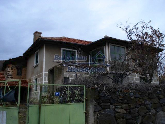 5672:1 - It is a solid bulgarian house but needs renovation work and some