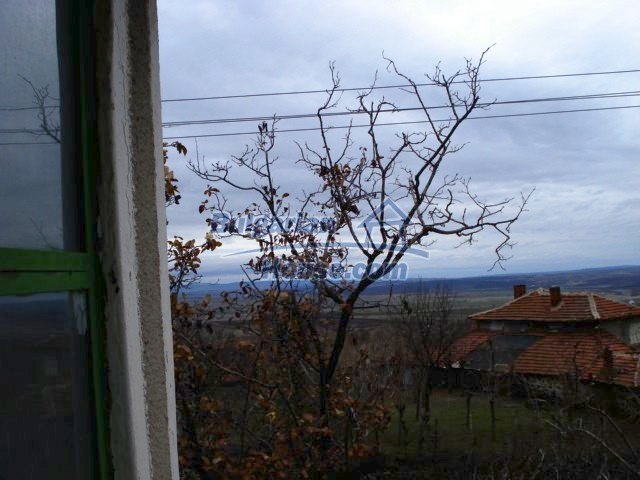 5672:6 - It is a solid bulgarian house but needs renovation work and some