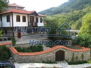 5708:1 - Wonderful old-fashioned traditional style house in Bulgaria