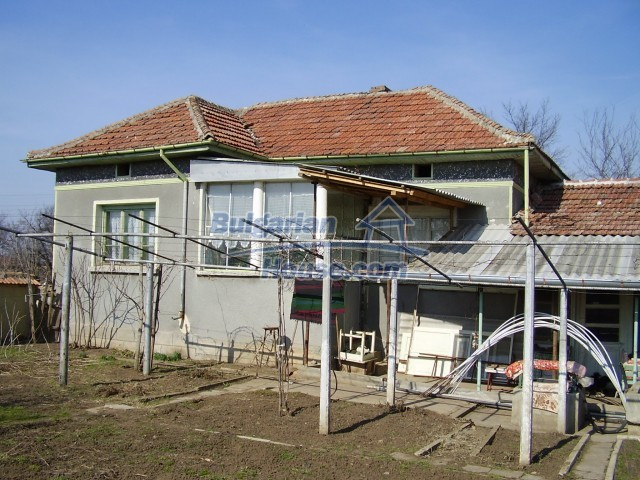 5720:1 - Invest in Bulgarian property in rural country side