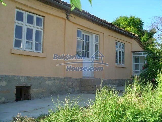 5759:1 - House for sale close to Varna