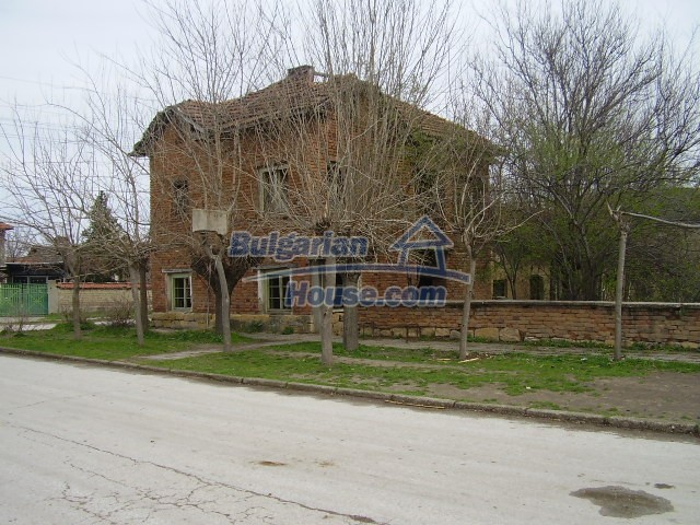 5786:2 - Good opportunity to have own bulgarian house in peaceful  place