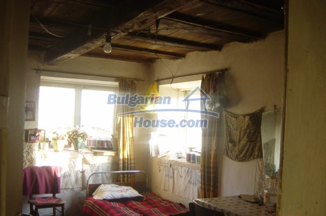 5804:4 - Invest in rural bulgarian house in a beautiful countryside near