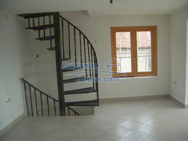 5810:6 - Three storey charming bulgarian property located in the town of
