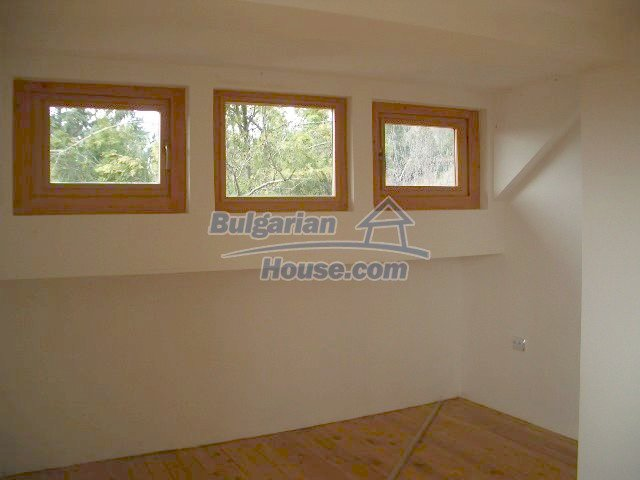 5810:10 - Three storey charming bulgarian property located in the town of