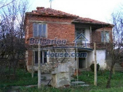 5813:6 - Two storey built bulgarian house looking for owner
