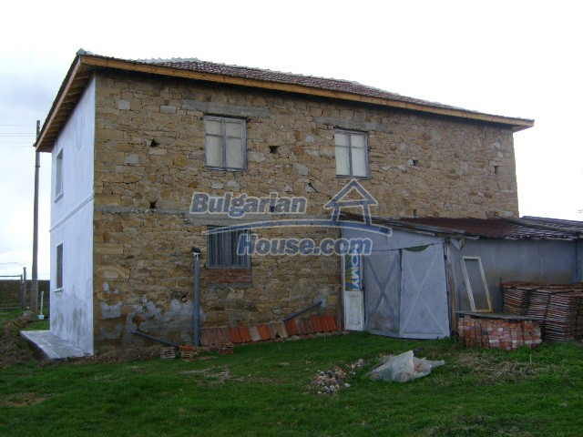 5816:4 - Lovely solid built bulgarian house in Kardzali region