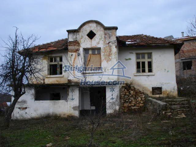 5825:2 - Two storey old bulgarian house for sale