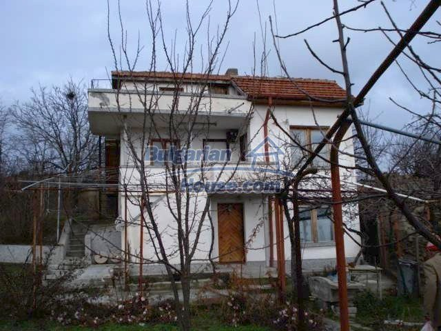 5831:3 - A solid built two storey house for sale in Bulgarian region