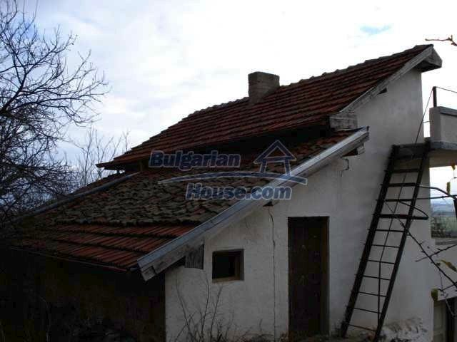 5831:4 - A solid built two storey house for sale in Bulgarian region