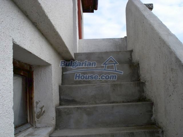 5831:6 - A solid built two storey house for sale in Bulgarian region