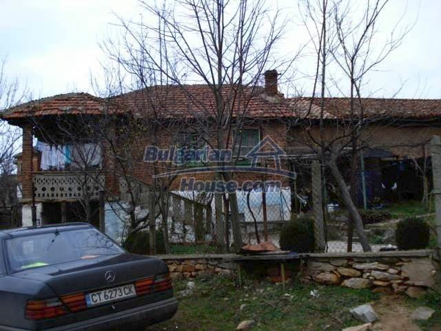 5837:1 - House for renovation in Elhovo region