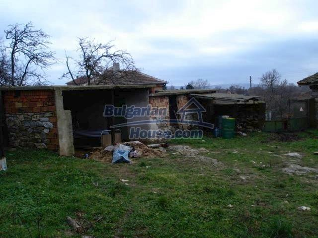 5837:6 - House for renovation in Elhovo region