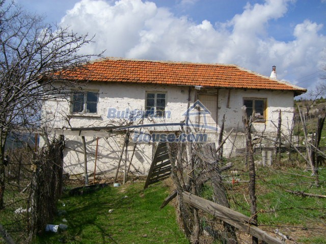 5858:2 - Two bulgarian houses in a peaceful area with river and mountain