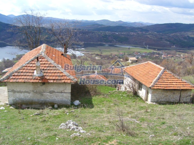 5858:3 - Two bulgarian houses in a peaceful area with river and mountain