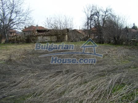 5897:6 - Regulated plot of bulgarian land in a big village near Pleven