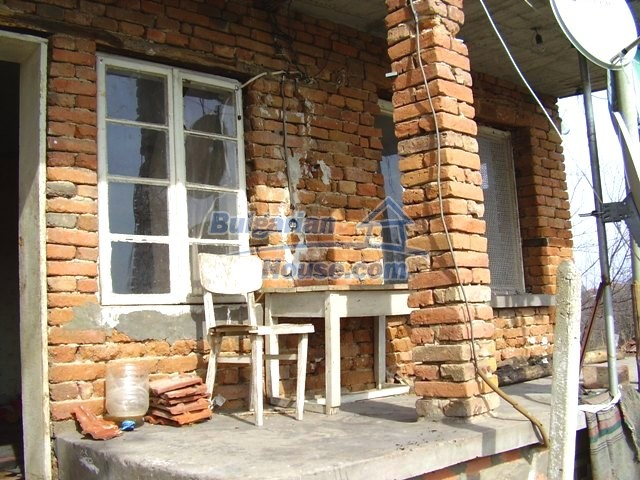 5906:6 - Rural brick bulgarian house 20 km away from the town of Pleven