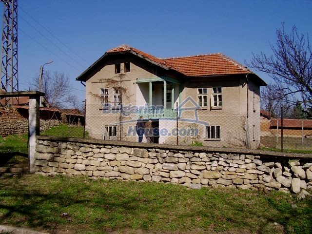 5984:2 - Rural Bulgarian house for sale near the town of Pleven