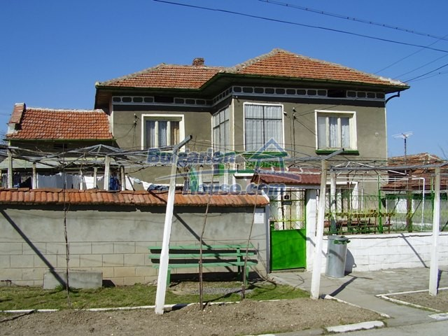 5999:6 - Two storey bulgarian house in Pleven region-an offer which you c